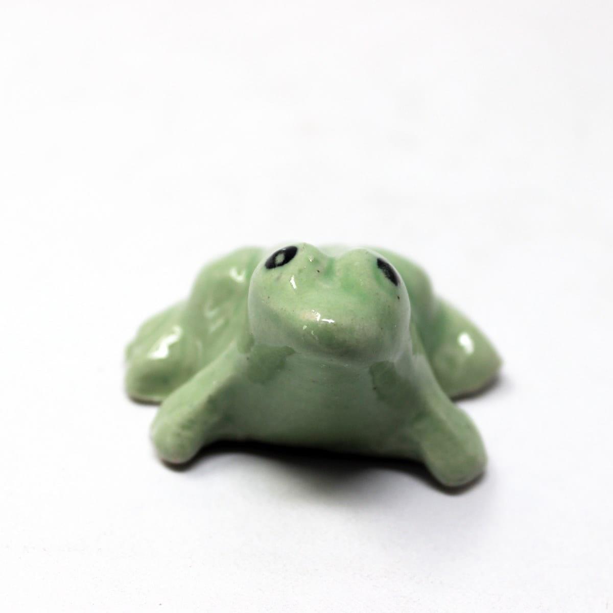 Miniature Ceramic Frog green