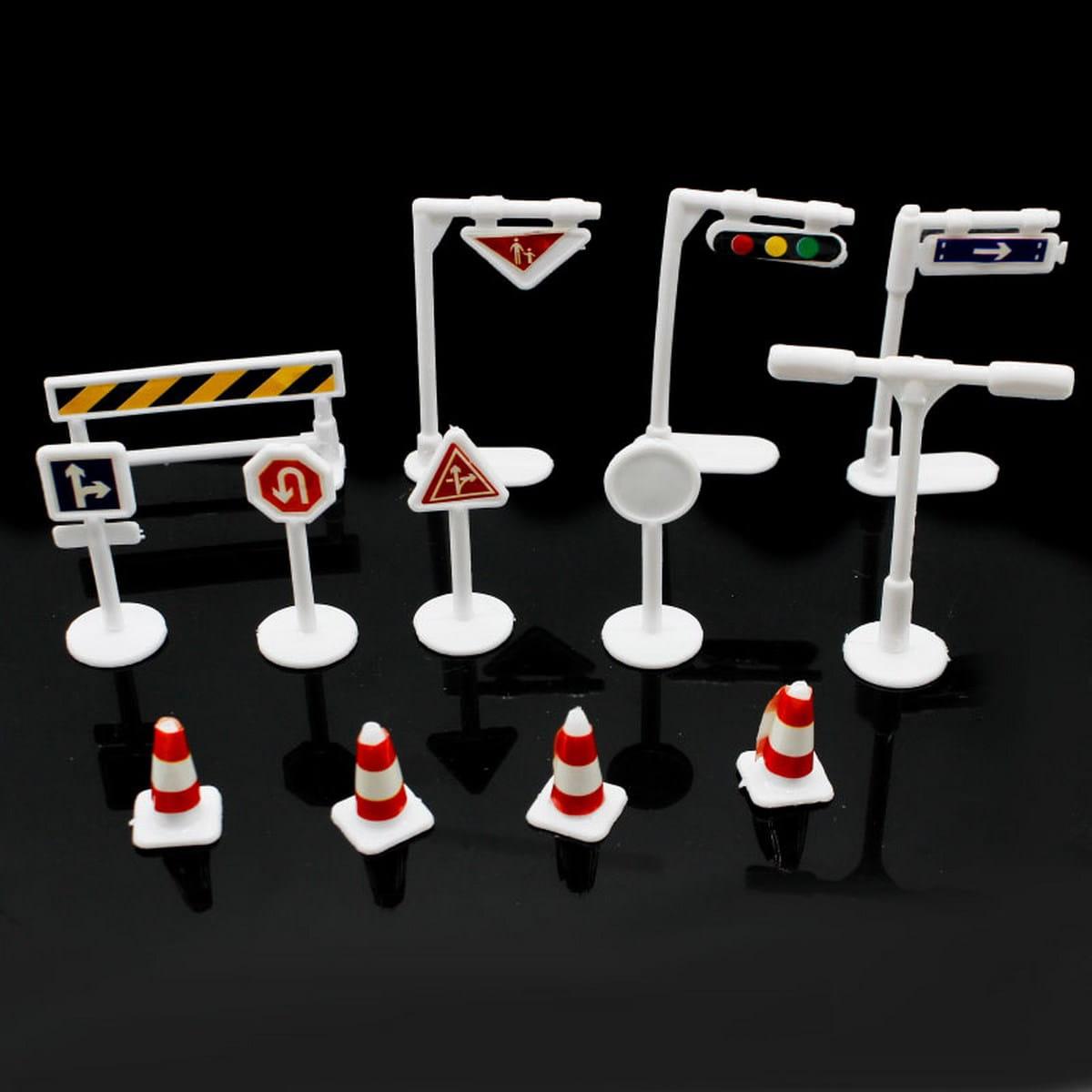 Miniature Traffic Signal Board Set